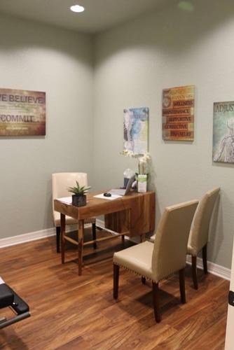 Chiropractic Temple TX Receptionist Area (2)